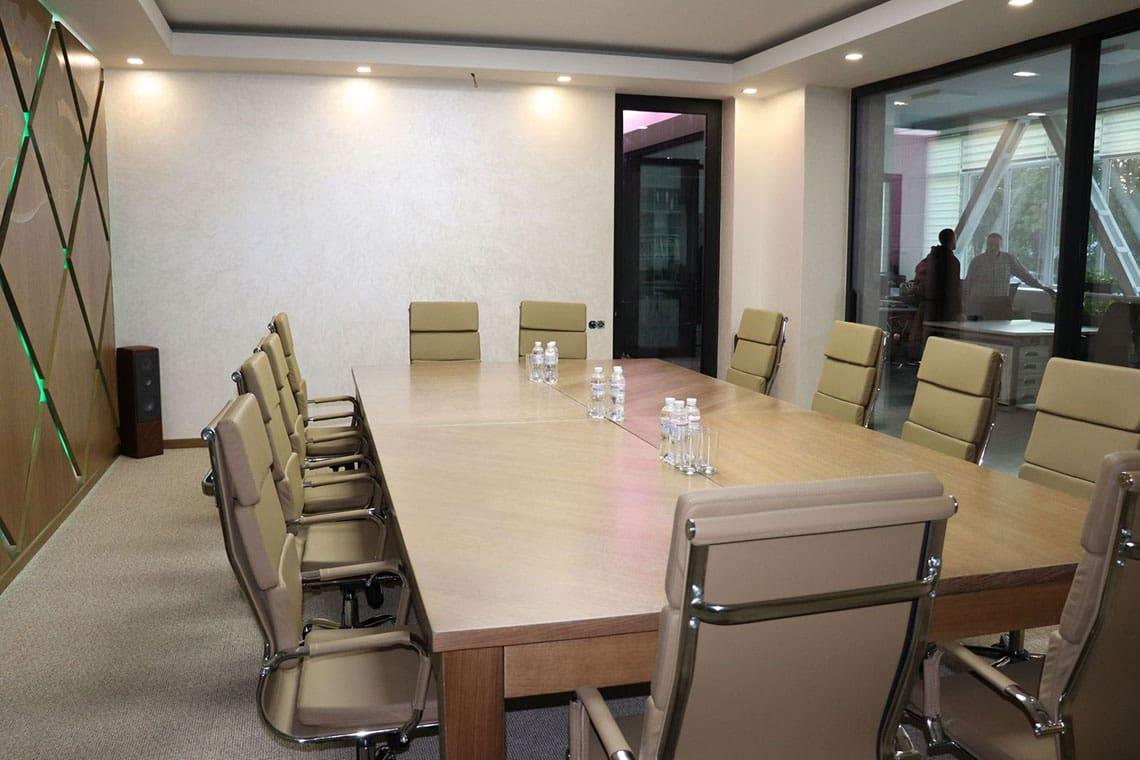 Переговорная комната для встречи с клиентами